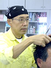 岐阜市若福町6の理容室(床屋)Vanny Hair(バニーヘアー)は、丁寧なカウンセリングを行い、お客様にお似合いのきっちりヘアから無造作ヘアなどをイメージしてからカットしていきます。厳選の薬剤と技術から生み出される、縮毛矯正・パーマ・アイパー・カールアイパー(アイロンパーマ)ヘアーは、手触りが良く、お手入れが楽な貴方だけのオリジナルスタイルを創り上げます。